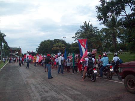 Mulheres marcham contra a aprovação do novo Código Florestal em Tocantins