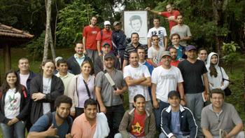 Juventude Metalúrgica do ABC reafirma apoio ao MST em visita à ENFF