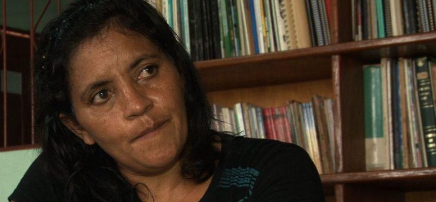 Ameaçada por madeireiros, professora aguarda proteção policial no Pará