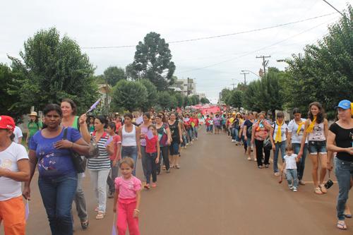 Mulheres Sem Terra realizam estudo, marcha e atividades culturais no Paraná
