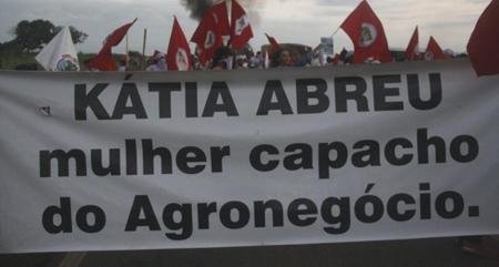 Kátia Abreu: grilagem, trabalho escravo e crime ambiental em Tocantins