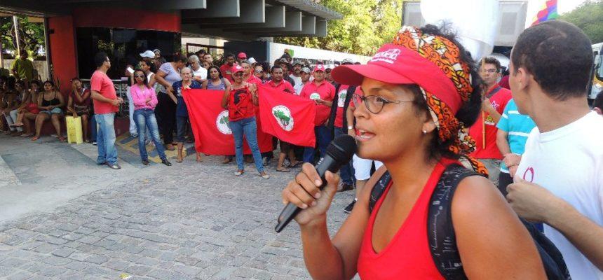 Juventude faz marcha com 500 pessoas contra extermínio da juventude em Natal