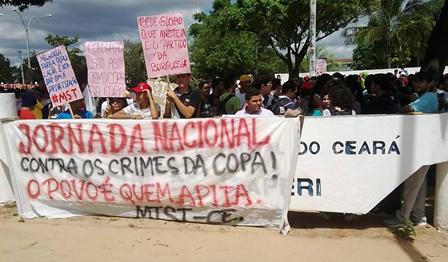 Milhares de pessoas protestam em Fortaleza por reforma urbana e agrária