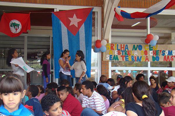 Sem Terrinha da grande São Paulo prestam solidariedade aos 5 cubanos
