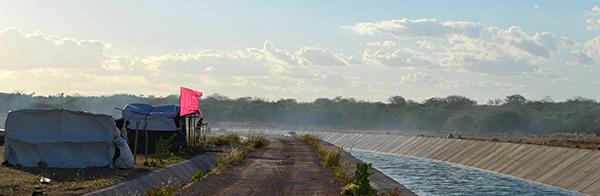 Sem Terra bloqueiam rodovia e lutam por terras irrigáveis em Alagoas