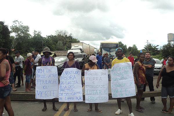 Povos quilombolas do Maranhão protestam na BR 135