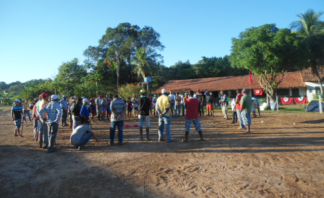 Sem Terra reocupam fazenda grilada e com práticas de trabalho escravo, em TO