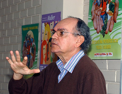 A Igreja teve que reatualizar sua posição sobre a questão agrária, afirma Delgado