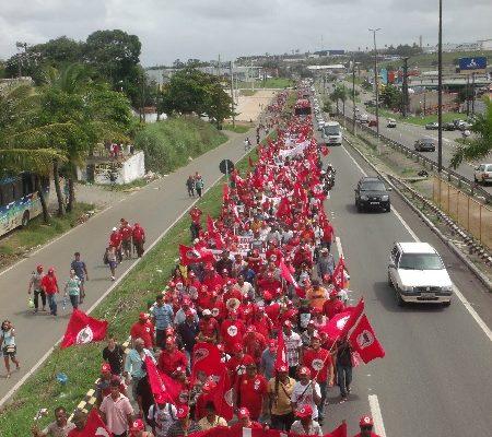 Cerca de 20 mil Sem Terra marcham por Reforma Agrária em Sergipe