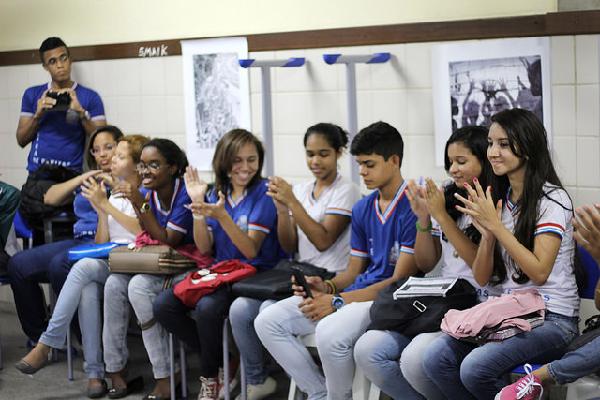 Juventude Sem Terra levanta bandeira da Reforma Agrária em Escola Pública