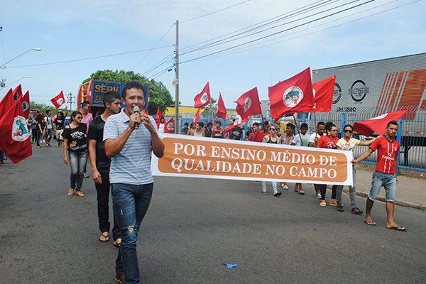 Após marcha, juventude se reúne com secretaria de educação em São Luís