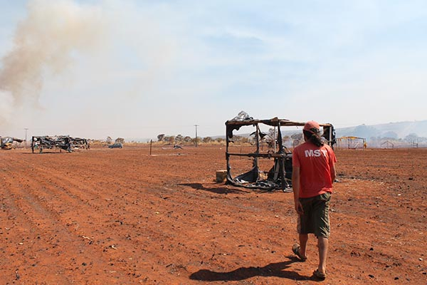 Dois acampamentos do MST sofrem incêndio criminoso no DF