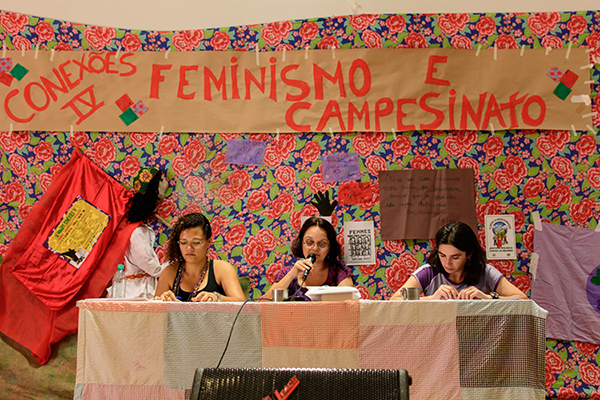 Seminário na UnB debate feminismo, campesinato e luta de classes