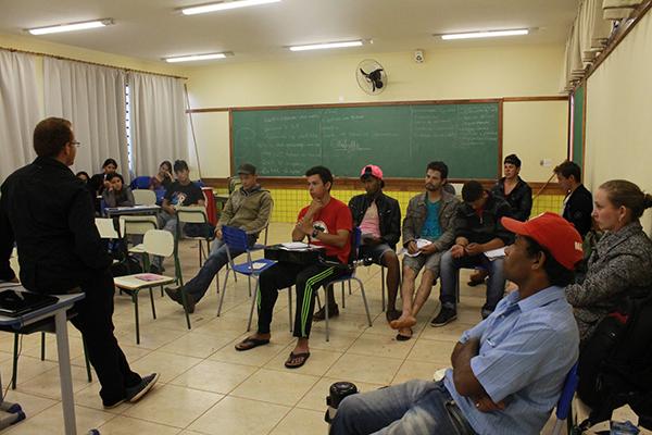 Encontro de comunicação busca fortalecer as rádios nos assentamentos