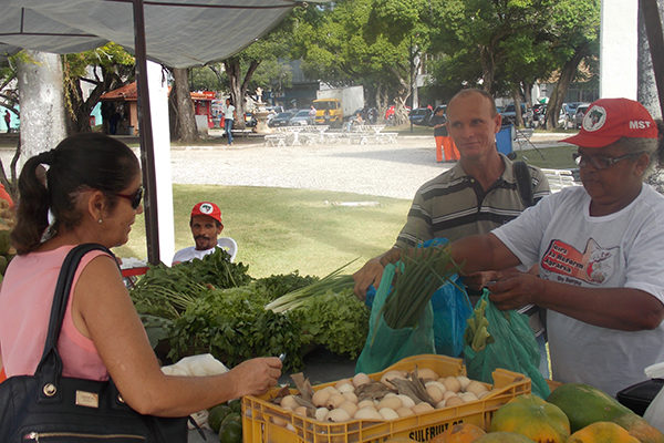 MST participa de mais uma edição da feira da Reforma Agrária de Sergipe