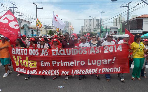Em Aracaju, centenas de pessoas participam do Grito dos Excluídos