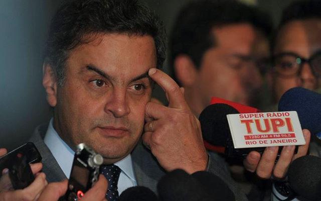 Como Serra em 2010, Aécio não assina compromisso contra trabalho escravo