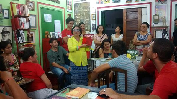 Sem Terra participam do lançamento de livro sobre o legado de Caio Prado Júnior