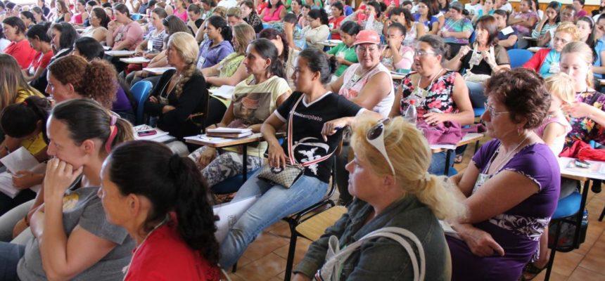 Encontro reúne 200 mulheres do MST em Cascavel no Paraná