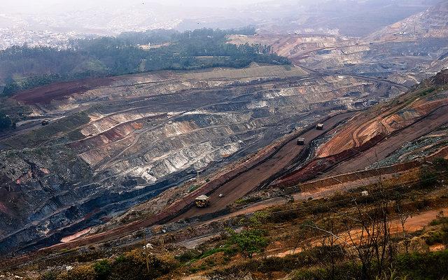 A ofensiva das mineradoras sobre as águas de Minas Gerais