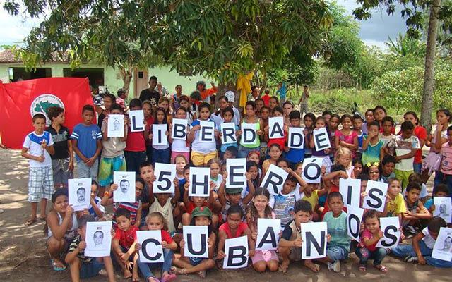 Após campanha de solidariedade, Sem Terra celebram liberdade dos 5 cubanos