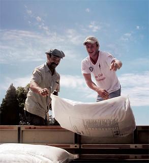 Cooperação agrícola, o símbolo do Assentamento Conquista na Fronteira