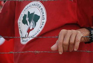 Sem Terra ocupam duas áreas no Paraná e intensificam a luta pela terra