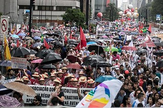 Cerca de 100 mil ocupam a Paulista pela Constituinte e em defesa da Petrobras
