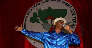 Em Alagoas, escola de samba revive a luta pela terra