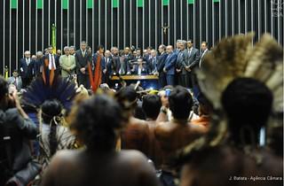 Ruralistas elegem presidente e nomeiam relator de comissão que vai analisar PEC 215