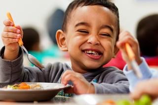 Haddad sanciona projeto que inclui alimento orgânico na merenda escolar
