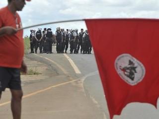 Camponeses são presos durante mobilização no PE
