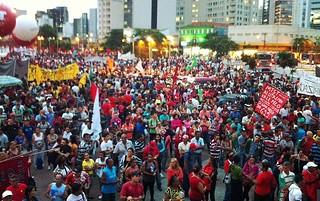 Ato contra terceirização em SP termina com 'gosto de vitória' após adiamento da votação
