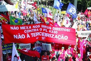 Organizações saem às ruas em defesa dos direitos da classe trabalhadora