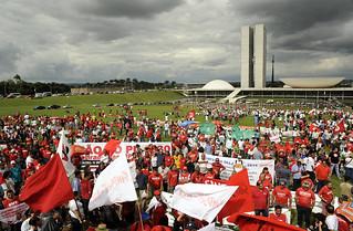 Dia Nacional de Lutas mobiliza país contra PL das terceirizações