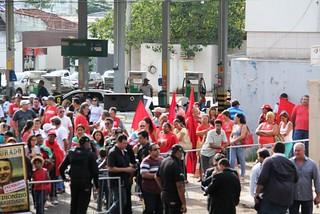 No MS, Eduardo Cunha é recebido com protesto pela classe trabalhadora