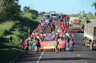 Movimentos sociais de Mato Grosso do Sul seguem em marcha rumo a capital