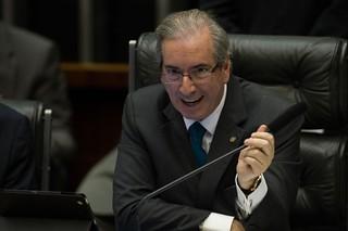 PMDB quer aprovar 'lei do mais rico' na reforma política