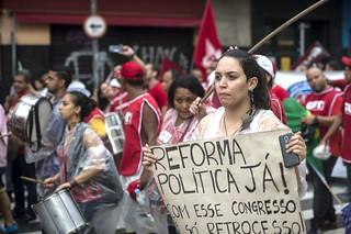 Movimentos já têm 650 mil assinaturas para projeto popular de reforma política