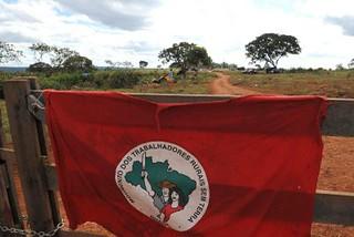 Sem Terra ocupam fazenda abandonada em Goiás