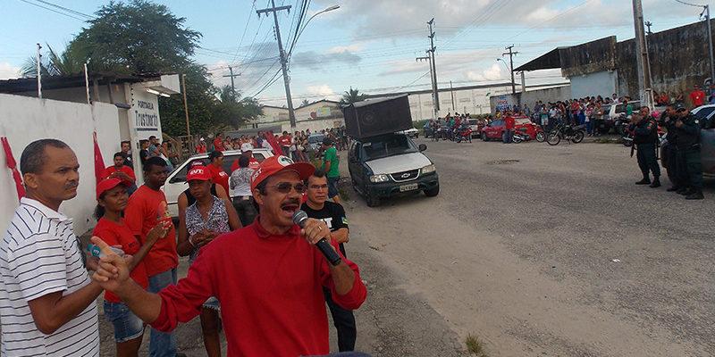 Trabalhadores da indústria têxtil paralisam atividades em Sergipe