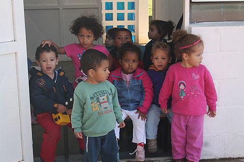comuna_urbana_crianças.jpg