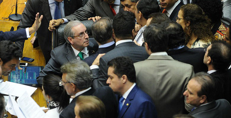 Juristas alertam sobre inconstitucionalidade de manobra de Cunha por financiamento privado