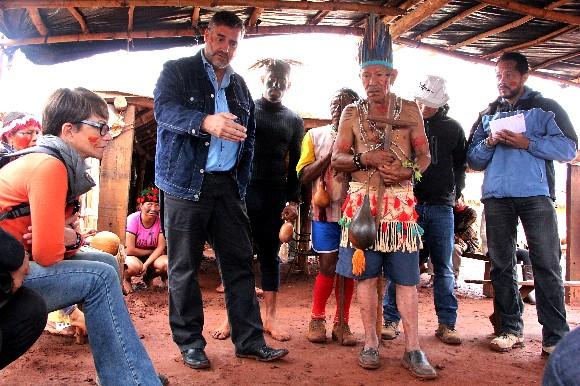 """""""Não temos terra nem para enterrar nossos familiares mortos pelos fazendeiros"""", diz liderança indígena"""