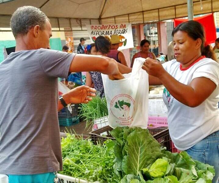 Feiras agroecológicas ocupam as ruas das cidades do extremo sul da Bahia