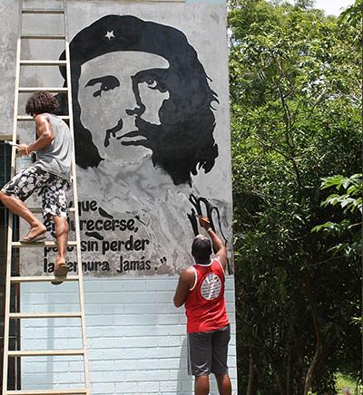Sem Terra reescrevem história do cacau no sul da Bahia