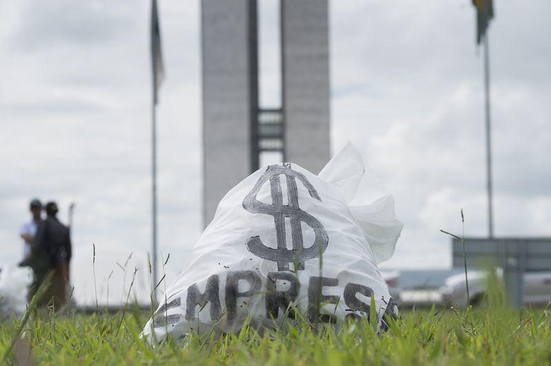protesto_reforma_politica_marcelo_camargo_bollbrasil.jpg
