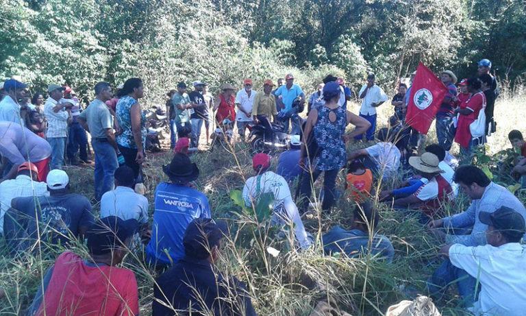 Cerca de 300 famílias ocupam o segundo latifúndio no MT em uma semana