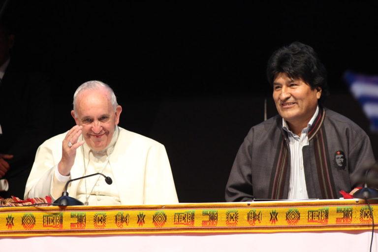 diz Papa Francisco aos movimentos populares