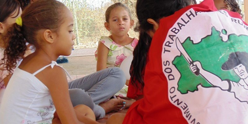 Sem Terra debatem os desafios da educação do campo na Bahia